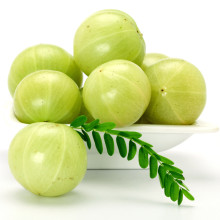 Gooseberries in a white bowl